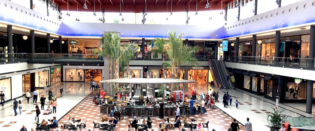 La Ca 241 Ada Marbella Shopping Centre Shops Opening Hours