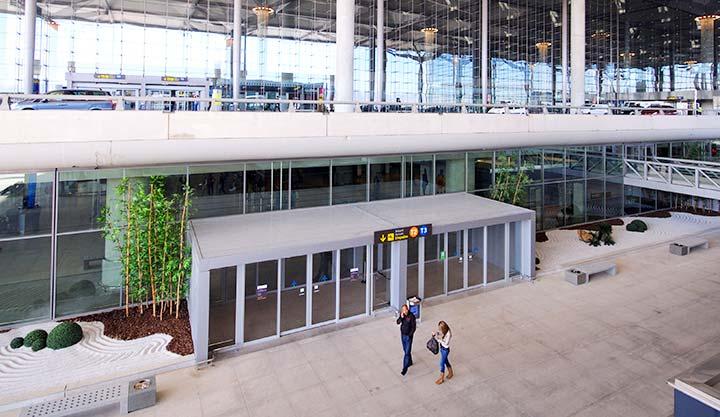 Málaga Airport Arrivals - Credit: Caron Badkin / Shutterstock.com