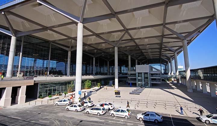 Malaga Airport Arrivals taxi rank