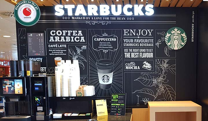 Bares y Restaurantes en el Aeropuerto de Málaga - Starbucks - credit: FOTOADICTA / Shutterstock.com